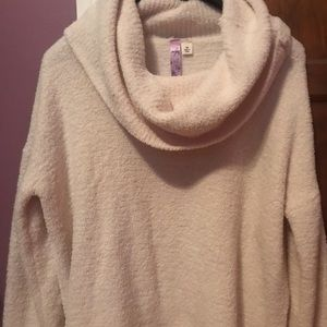 Francesca's Cloud Cowl Neck